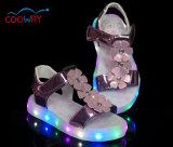 Pattini dei sandali dei capretti LED dell'argento e dell'oro di alto modo con la suola chiara