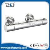 Grifo pulido mezclador termostático expuesto de la ducha de la temperatura del cromo del baño de ducha