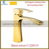 Faucet тазика мытья ванной комнаты золотистой установленный палубой