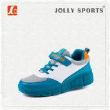 Le patin de rouleau escamotable de mode folâtre des chaussures pour des enfants
