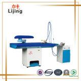 Équipement de blanchisserie Table de repassage à la vapeur