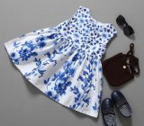 転送の印刷を用いるFroksの方法花の赤ん坊の服