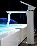 Faucet montado plataforma da bacia da alavanca da cor branca único
