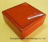 Sola caja de reloj de madera brillante de lujo
