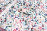 子供の衣類のための印刷されたかわいい花の方法フード付きコート