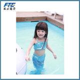 아이를 위한 작은 인어 수영복