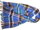 カシミヤ織の格子縞によって編まれるショールXc09124A