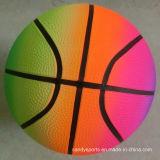 Le PVC joue le basket-ball gonflable d'arc-en-ciel d'impression de couleur