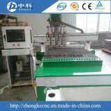 空気の自動ツール4つのスピンドルが付いている変更の木製CNCのルーター機械