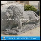 De grijze Dierlijke Gravure van de Leeuw van het Beeldhouwwerk van het Graniet voor de Decoratie van de Tuin