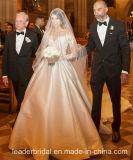 뒤 결혼 예복 M2017가 레이스 신부 드레스 여분 트레인에 의하여 단추를 끼운다
