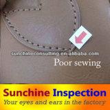 Качественный контрол продукта кожи кожаный перчаток/осмотр