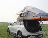 [فميلي كر] خيمة خارجيّ يفرقع يخيّم فوق سقف خيمة علبيّة