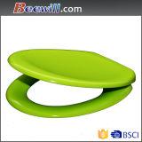 Siège adapté aux besoins du client de toilettes coloré par vert avec la charnière de fin de doux