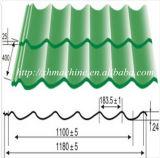 Mattonelle lustrate che formano macchina che fa le mattonelle di tetto d'acciaio