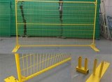 캐나다를 위한 75X100mm Mesh Hole와 Yellow Color를 가진 PVC Coated Temporary Fence