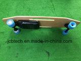 Skate remoto do controlador com o motor sem escova do motor duplo