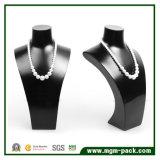 L'étalage laqué noir fabuleux de bijou de collier de première qualité
