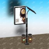Двойник встал на сторону коробка напольного столба светильника города солнечного светлая
