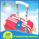 Kundenspezifisches Großhandelssilikon weiche Belüftung-Gepäck-Marke mit buntem Firmenzeichen