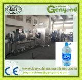 Agua pura que hace la máquina para la industria