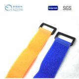 La vendita calda del nuovo prodotto ha personalizzato le cinghie di nylon dell'inarcamento del nastro magico di nylon