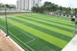 Grama artificial da alta qualidade de China Guangzhou Hotsale para o campo de futebol (w50)