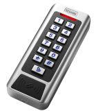 Controllo di accesso dei due relè con la tastiera blu alla notte Cc1mc