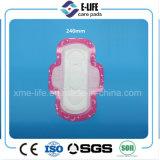 Serviette hygiénique chaude d'ailes de vente 240 millimètres de jour de surface sèche d'utilisation