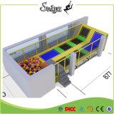 Kombinierter preiswerter Trampoline-Park mit den justierbaren Beinen von der China-Fabrik