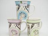 Taza de cerámica contratante de la etiqueta del estilo