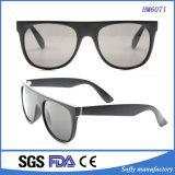 Gafas de sol polarizadas plástico famoso del OEM de la inyección del policarbonato del modelo de la marca de fábrica