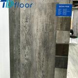 Suelo de interior compuesto plástico de madera de la venta del material de construcción del suelo grande caliente de la talla WPC