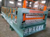 Panneau en acier ondulé de toit formant la machine