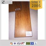 Plancher en bois de vinyle de PVC de cliquetis de série de qualité
