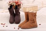 チョコレートの女性の冬の羊皮の雪のブート