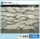 大理石カラーテーブルの上の台所上の固体表面の建築材料のための人工的な水晶石