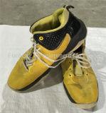 كبير حجم رجل رياضة يستعمل أحذية لأنّ إفريقيا سوق