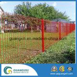 競技場の塀の裏庭または庭のためのダイヤモンドによって溶接される金網の塀