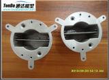 CNC que trabaja a máquina la fabricación rápida del prototipo