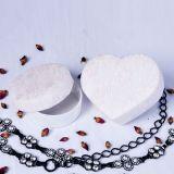 Коробка упаковки подарка формы сердца белая