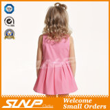Mädchen reizendes A - Zeile Kleid scherzt Sommer-Fußleiste
