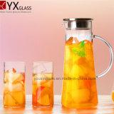 Chocs froids en verre de lait de jus de thé d'OEM et d'ODM/cruche d'eau en verre claire avec le traitement et le couvercle latéraux pour les boissons de froid/bac en verre de Kittle de pichet de l'eau