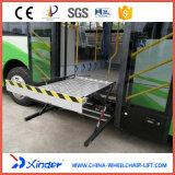 Elevador elétrico & hidráulico do CE da cadeira de rodas para a plataforma do barramento (WL-UVL-700)