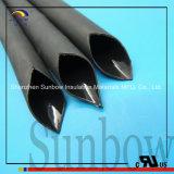 Tubo termorestringibile del PE semirigido nero con adesivo allineato