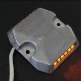 IP68 알루미늄 빨강 LED 가벼운 갱도에 의하여 타전되는 도로 장식 못