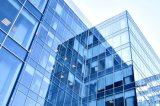 Frameless는 건물을%s 유리제 외벽을 격리했다