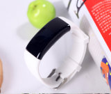 Il pedometro alla moda di forma fisica mette in mostra le vigilanze del braccialetto