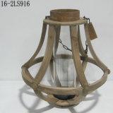 Vendimia lamentable con la maneta de madera o del lino de linternas de madera