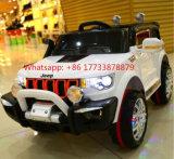 Conduite de véhicule de jeep sur le véhicule électrique de gosses de jouet